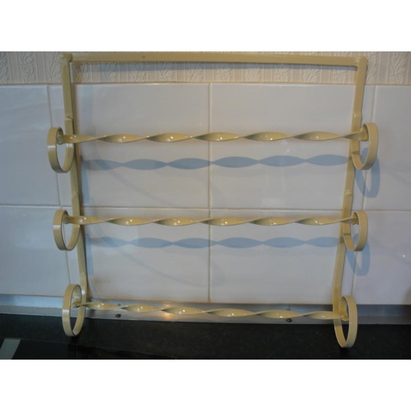 Towel rack Wrought iron hanging cream towel rack