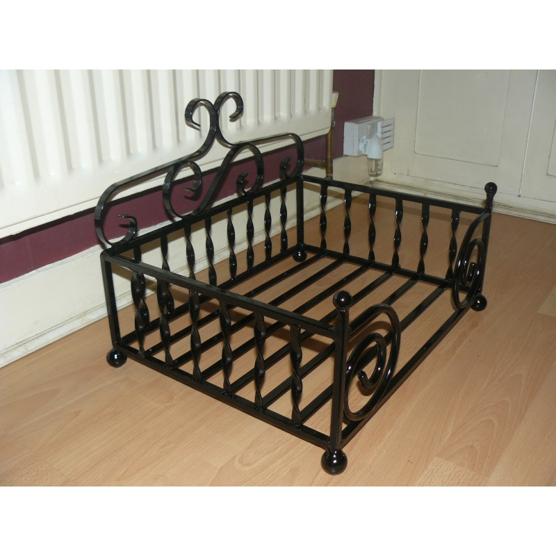dog bed wrought iron small diva. Black Bedroom Furniture Sets. Home Design Ideas