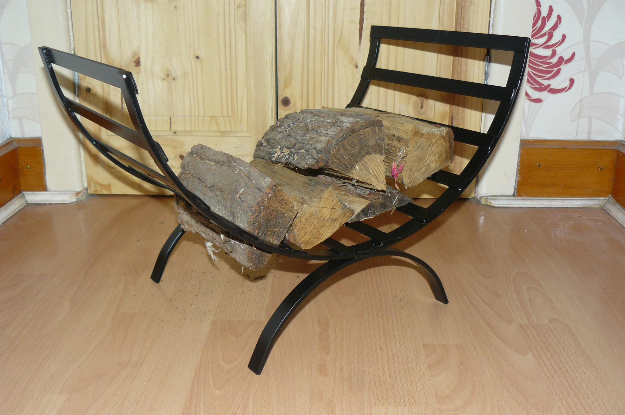 curved log basket