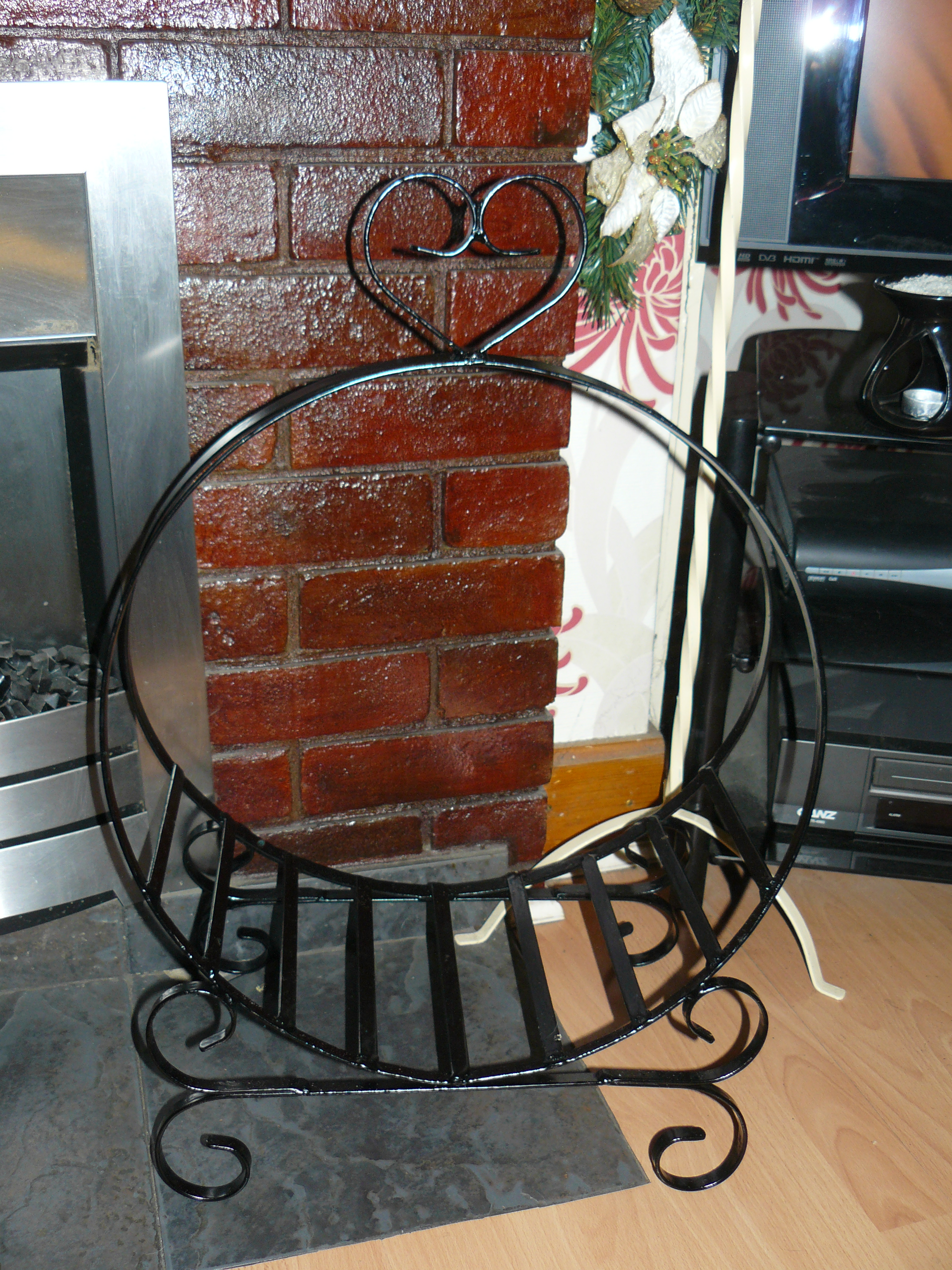 Log basket 18in roud wimborne wrought iron works