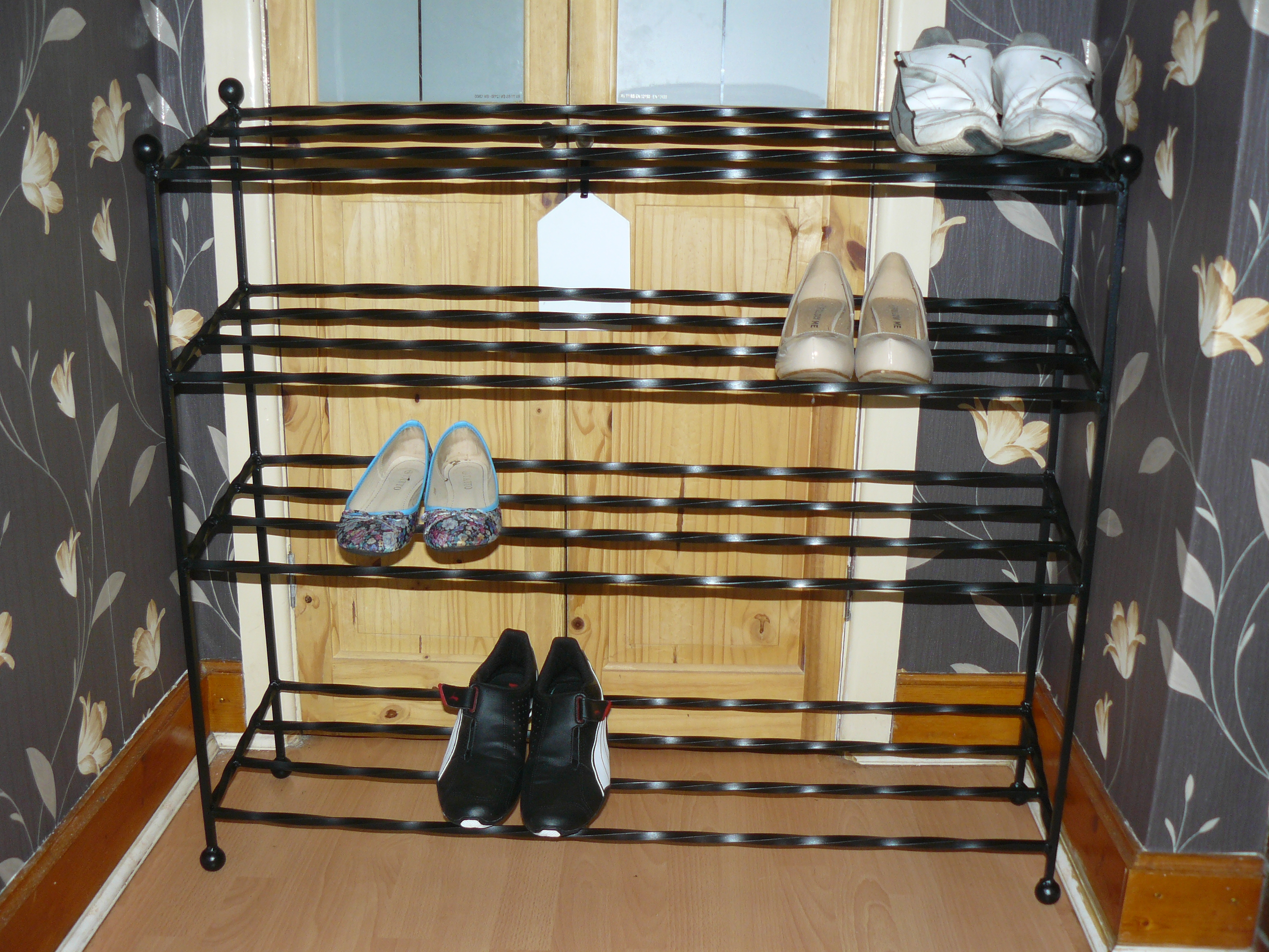 sloped shoe rack